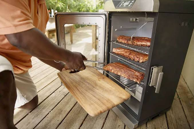 Best Electric Smokers to Buy In January 2020